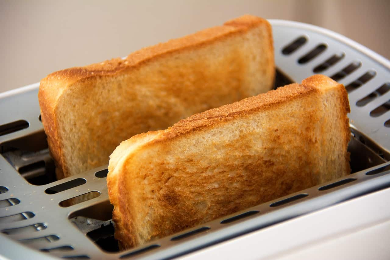 Top 5 Best Bread Toasters To Buy Online In India 2018