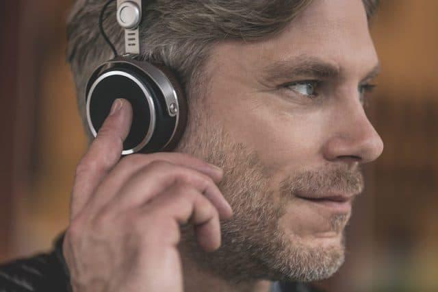 Aventho Wireless Headphones by Beyerdynamic & MIY App