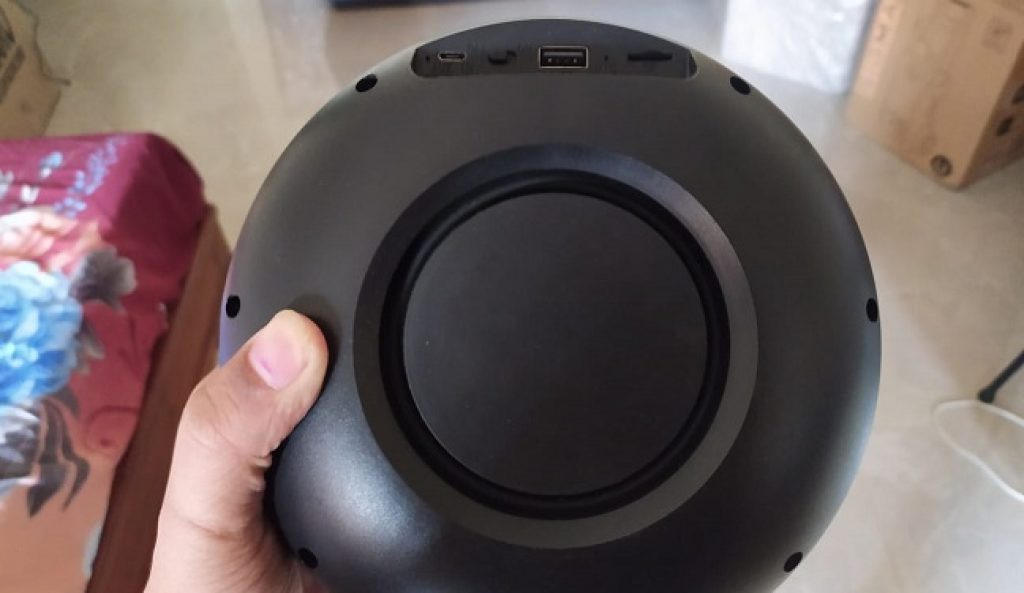 Boult Audio BassBox Blast Bluetooth Speaker Review 1